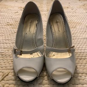 Vintage White Patent Wedges